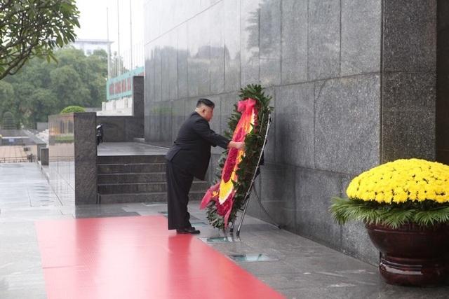 Ấn tượng về Chủ tịch Triều Tiên Kim Jong-un trong chuyến công du Việt Nam - 9