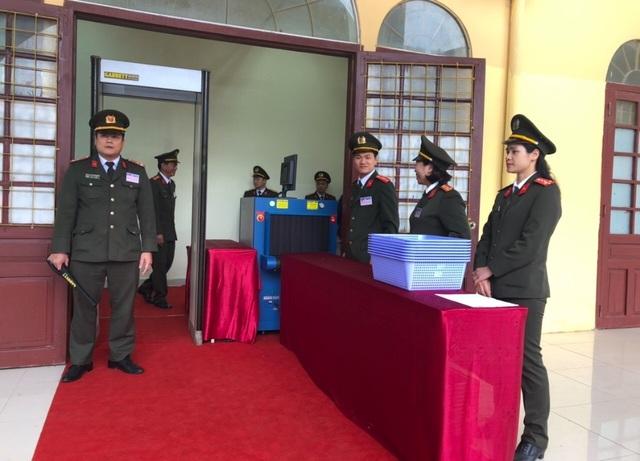 Chủ tịch Kim Jong-un vẫy tay chào Việt Nam, lên tàu về nước - 19