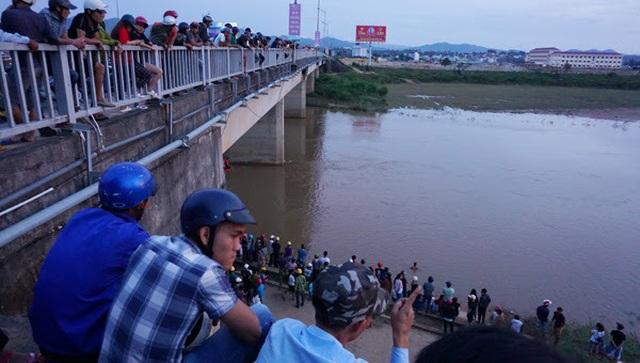 Đi tắm sông, hai em 11 tuổi bị mất tích trên dòng Đăk Bla - 1
