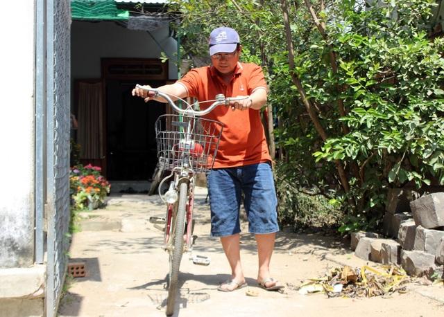 """Thầy giáo """"giữ chân"""" học trò bằng những chiếc xe đạp cũ - 4"""