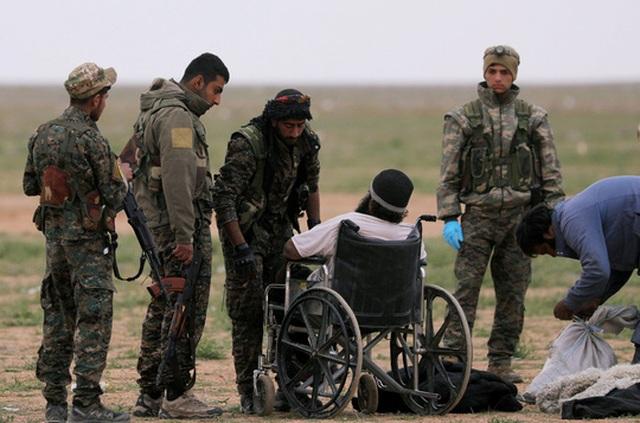 Xóa sổ IS, Mỹ chĩa mũi dùi vào al-Qaeda - 1