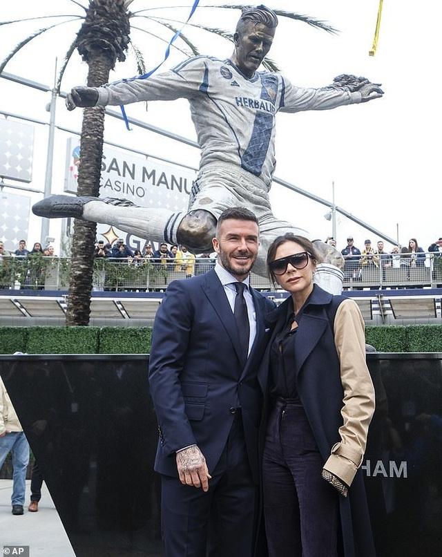 Vợ chồng Beckham hạnh phúc bên nhau sau tin đồn hôn nhân rạn nứt  - 1