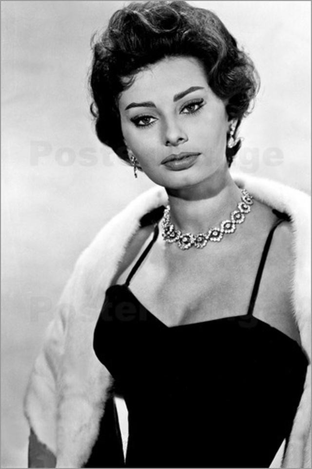 Sophia Loren bất ngờ tái xuất - 6