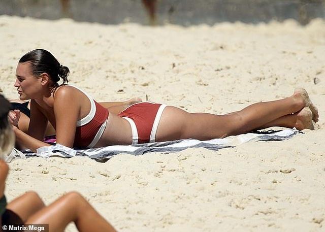 Montana Cox quyến rũ với bikini - 2