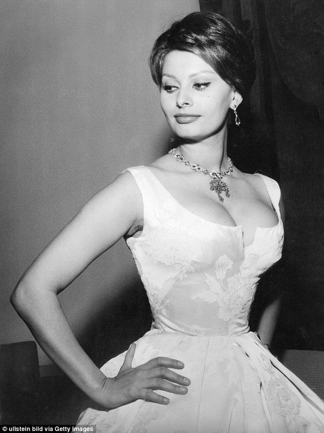 Sophia Loren bất ngờ tái xuất - 8