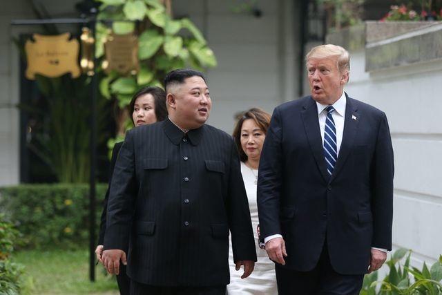 Tuần thượng đỉnh Trump – Kim kịch tính  - 3