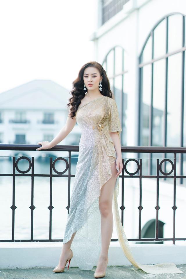 Người đẹp Hoa hậu Hoàn vũ 7 lần thi nhan sắc khoe đường cong nóng bỏng - 3