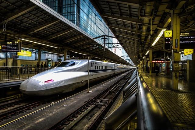 """""""7 phút"""" và câu chuyện đáng khâm phục trên mỗi chuyến tàu cao tốc Nhật Bản - 1"""