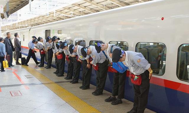 """""""7 phút"""" và câu chuyện đáng khâm phục trên mỗi chuyến tàu cao tốc Nhật Bản - 5"""