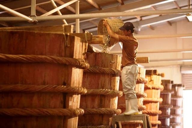 Nhập nhèm nước mắm truyền thống và công nghiệp: Tiêu chuẩn mới càng không rõ ràng  - 2