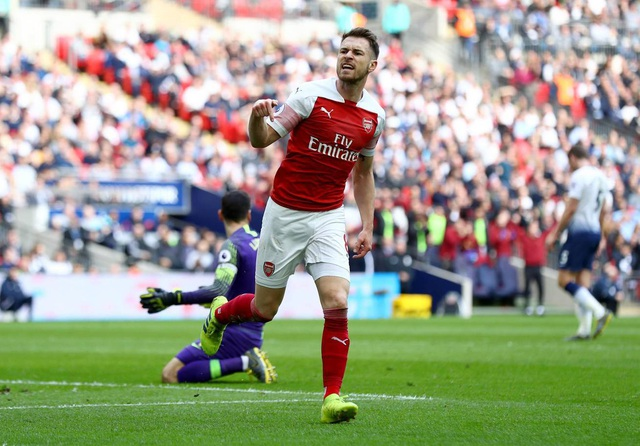 Nhìn lại trận hòa ghìm chân cả Tottenham lẫn Arsenal - 7