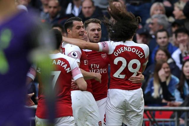 Nhìn lại trận hòa ghìm chân cả Tottenham lẫn Arsenal - 8