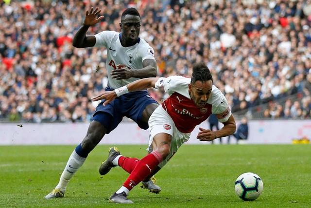 Nhìn lại trận hòa ghìm chân cả Tottenham lẫn Arsenal - 17