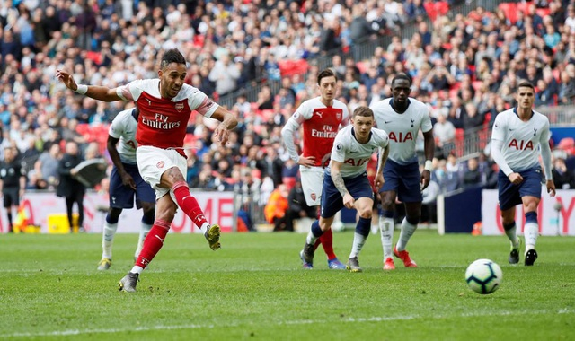 Nhìn lại trận hòa ghìm chân cả Tottenham lẫn Arsenal - 18