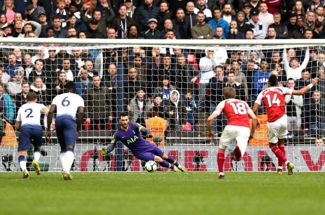 Nhìn lại trận hòa ghìm chân cả Tottenham lẫn Arsenal - 19