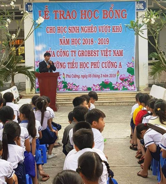 Grobest Việt Nam trao 100 suất học bổng đến học sinh nghèo ở Đồng Tháp - 4