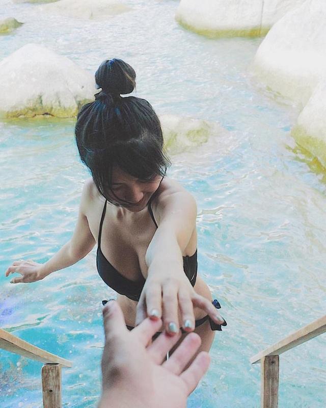 Hot girl Việt rủ nhau tung loạt ảnh bikini nóng bỏng - 18