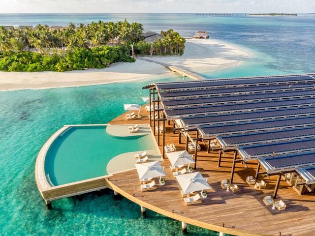 Khách sạn đẹp nhất thế giới vận hành bằng năng lượng mặt trời