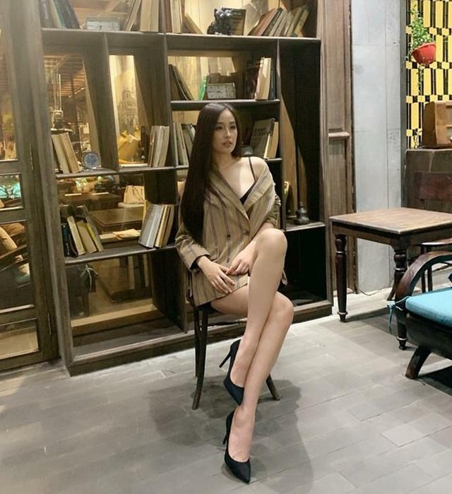 Hương Giang khoe ngực đầy, Tóc Tiên diện bikini nóng bỏng - 5