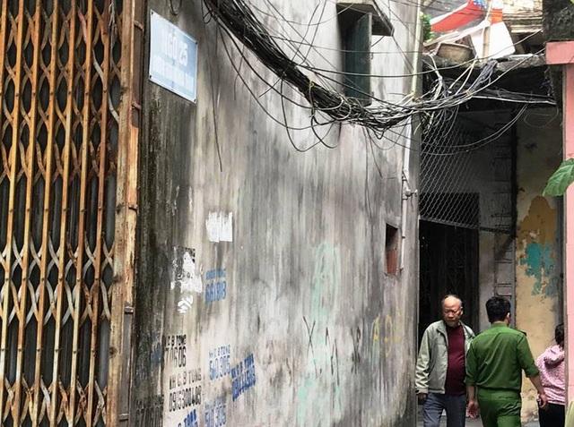 Vụ thầy bói chém nhà hàng xóm: Người mẹ vừa mới sinh con 18 ngày tử vong - 1
