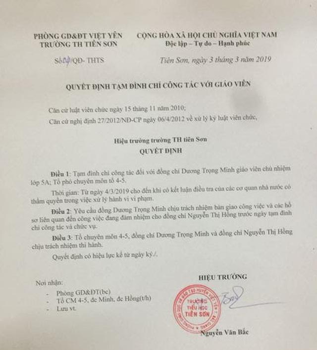 Vụ nghi án thầy giáo dâm ô 13 học sinh: Công an huyện vào cuộc điều tra - 4