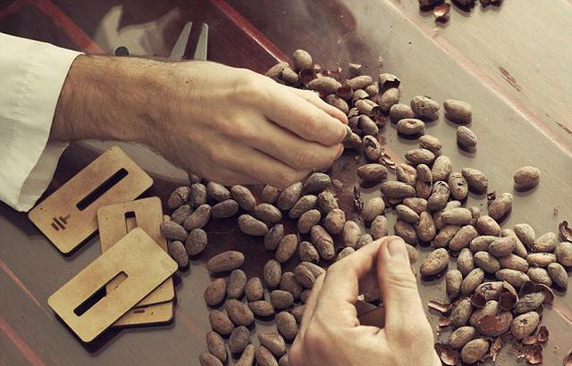 Có gì trong thanh socola đen nguyên chất đắt nhất thế giới? - 7