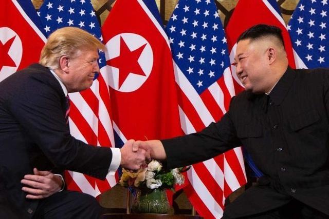 Ông Trump bác tin hủy tập trận quân sự để nhượng bộ ông Kim Jong-un  - 1