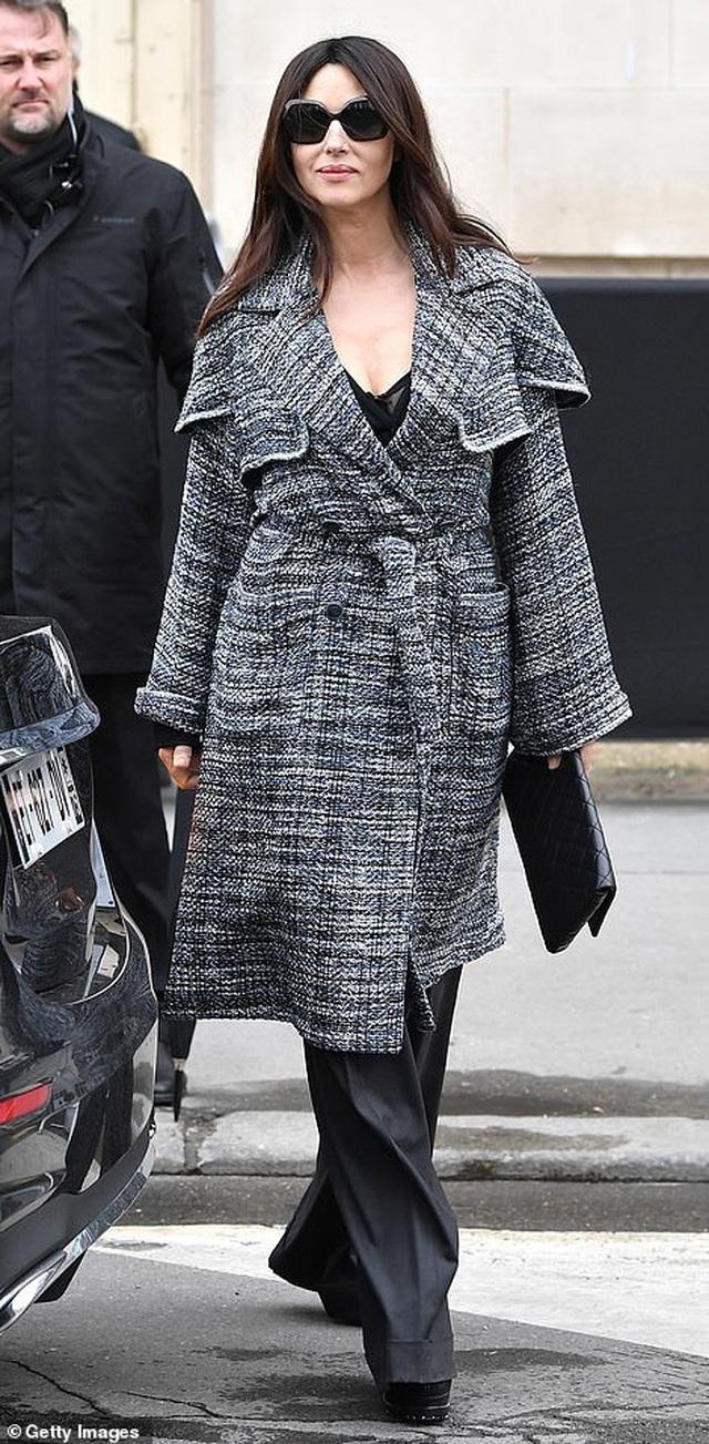 Kristen Stewart nổi bật trong show của Chanel, người mẫu rơi lệ trên sàn catwalk  - 13