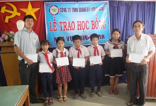 Học bổng Grobest Việt Nam đến với học sinh nghèo hiếu học tỉnh Bình Định - 4