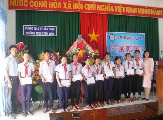 Học bổng Grobest Việt Nam đến với học sinh nghèo hiếu học tỉnh Bình Định - 3