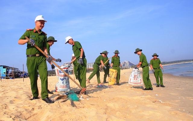 Thanh niên Bình Định hành động vì sự sống của biển - 5