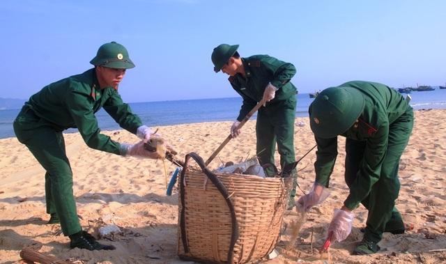 Thanh niên Bình Định hành động vì sự sống của biển - 6