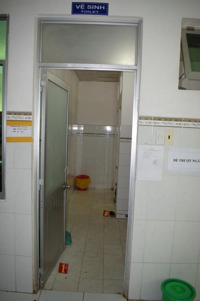 Nam thanh niên đột nhập vào phòng vệ sinh… đòi quan hệ với sản phụ - 1