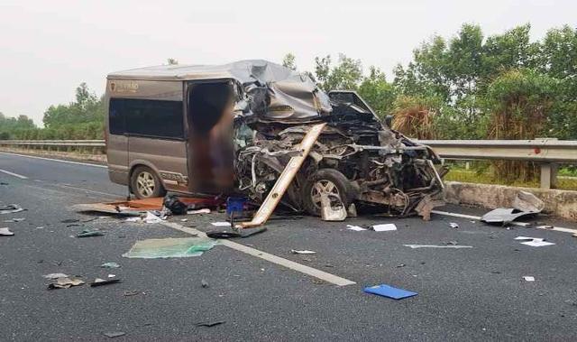 Tạm giữ hình sự tài xế xe Limousine gây tai nạn làm 2 người chết  - 1