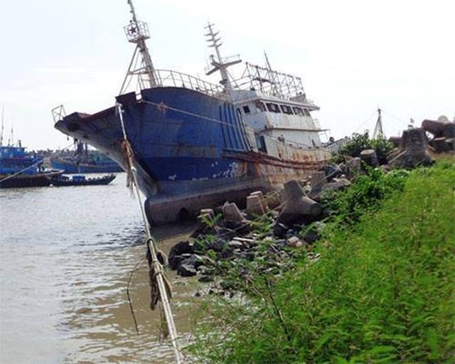 Tàu Quỳnh Lâm Ngư.jpg