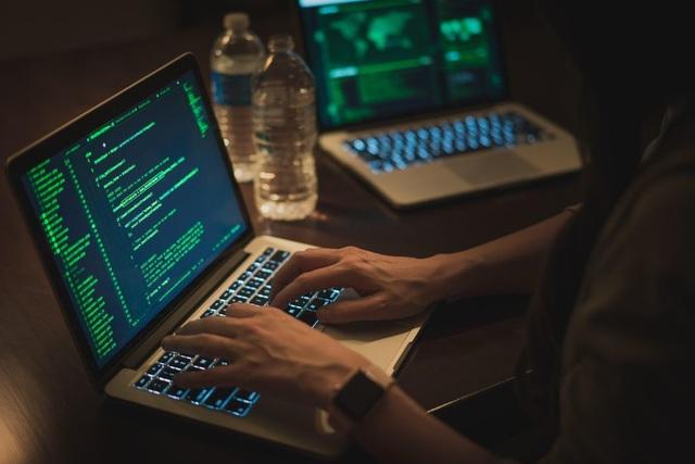 hacker-1.jpg