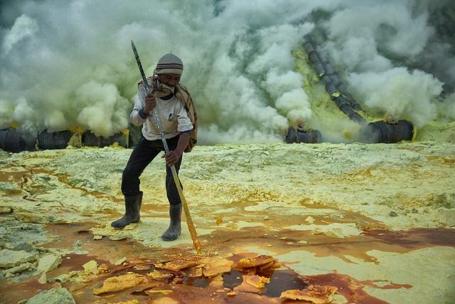 Hơn 8 triệu người đã chết bởi các điều kiện làm việc khắc nghiệt  - 3