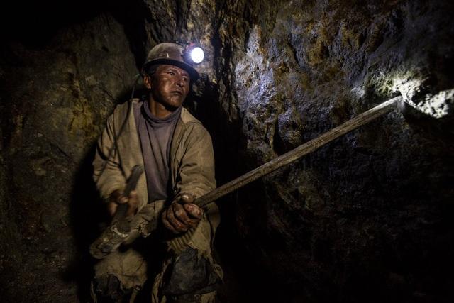 Hơn 8 triệu người đã chết bởi các điều kiện làm việc khắc nghiệt  - 7