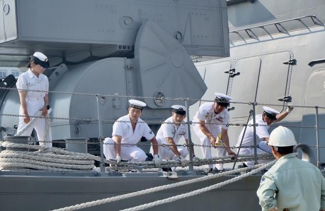 Tàu huấn luyện của lực lượng tự vệ trên biển Nhật Bản thăm Đà Nẵng - 6