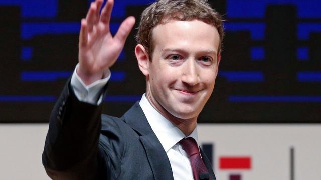 """Ông chủ Facebook đánh mất danh hiệu """"tỷ phú tự thân trẻ nhất thế giới"""" - 1"""