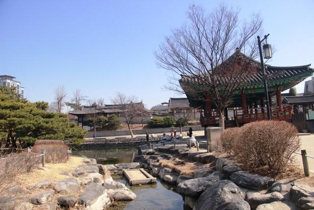 Vẻ đẹp bí ẩn của làng cổ Hanok Namsan Hàn Quốc - 1