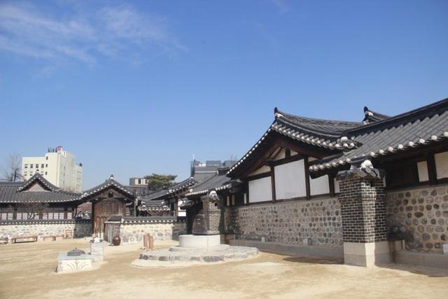 Vẻ đẹp bí ẩn của làng cổ Hanok Namsan Hàn Quốc - 7
