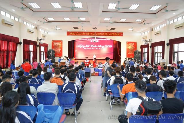 Giảng viên, sinh viên ĐH Công nghiệp Hà Nội hiến tặng gần 2000 đơn vị máu  - 1