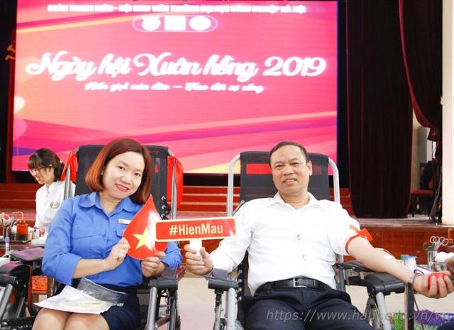 Giảng viên, sinh viên ĐH Công nghiệp Hà Nội hiến tặng gần 2000 đơn vị máu  - 3