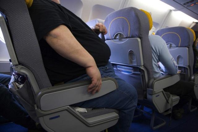 Mất oan 3 triệu khi đi máy bay vì quá béo - 1