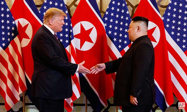 """""""Nước cờ"""" lạc nhịp của ông Trump trên bàn đàm phán với ông Kim Jong-un? - 1"""