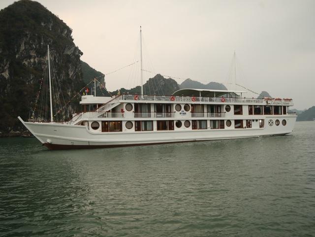Tưng bừng khuyến  mãi Du thuyền Oriental Sails - 1