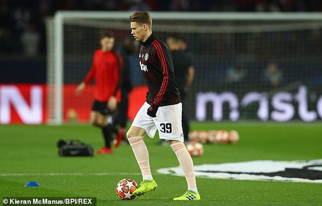 PSG 1-3 Man Utd: Chiến thắng đi vào lịch sử - 12