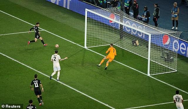 PSG 1-3 Man Utd: Chiến thắng đi vào lịch sử - 8