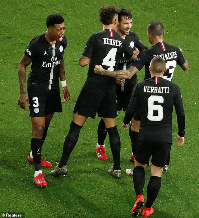 PSG 1-3 Man Utd: Chiến thắng đi vào lịch sử - 7